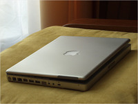 Apple-PowerBook-G4-12-inch_2.jpg